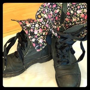 Dr Martens Lace up boots with floral lining size 8